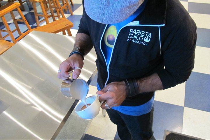 Miguel Vicuna Pouring Latte Art