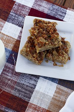 Kyla's Salted Caramel Apple Crumble Bars